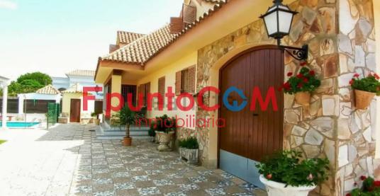 ¡Espectacular chalet de 5 habitaciones ubicado en La Jara!