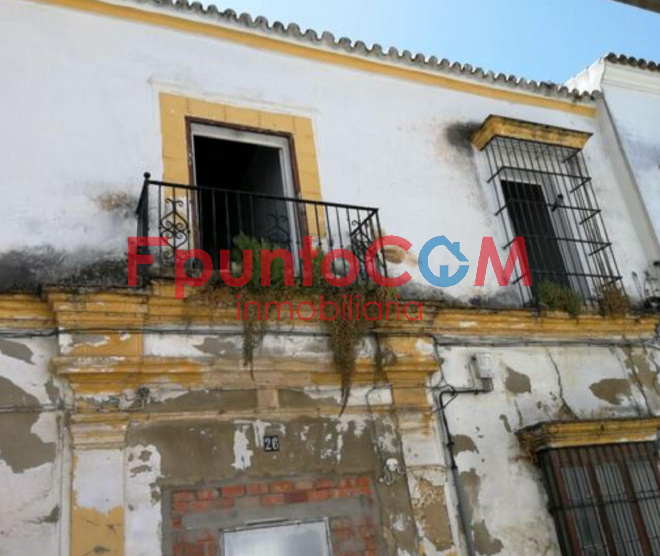 casa para derribar en pleno centro de Sanlúcar